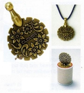 Clover Thread Cutter Pendant -Antique Gold